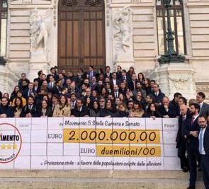 """Di Maio: """"I tagli di 2 milioni ai parlamentari vanno alla Protezione Civile"""""""