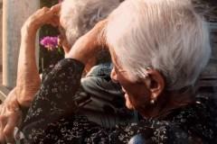 Il maltrattamento degli anziani è ancora un tabù?