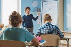 """Primo giorno di scuola """"rinviato a tempo indeterminato"""" per 140 mln di studenti nel mondo"""