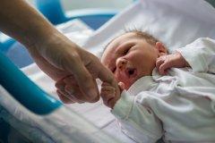 Perché si deve registrare la nascita di un/a figlio/a?