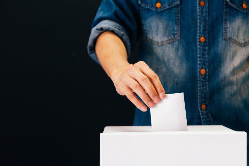 Elezioni amministrative: vince il centrosinistra, Roma e Torino al ballottaggio